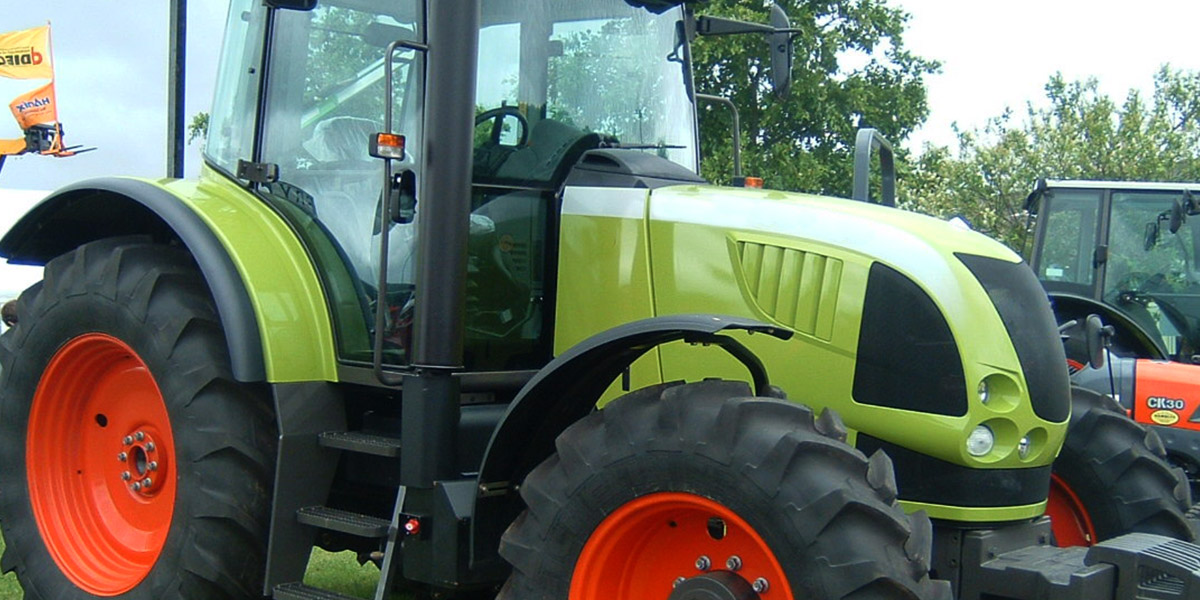 Claas tractor and agricultural parts
